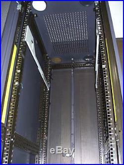Dell 08P157 42U Poweredge Server Rack No keys
